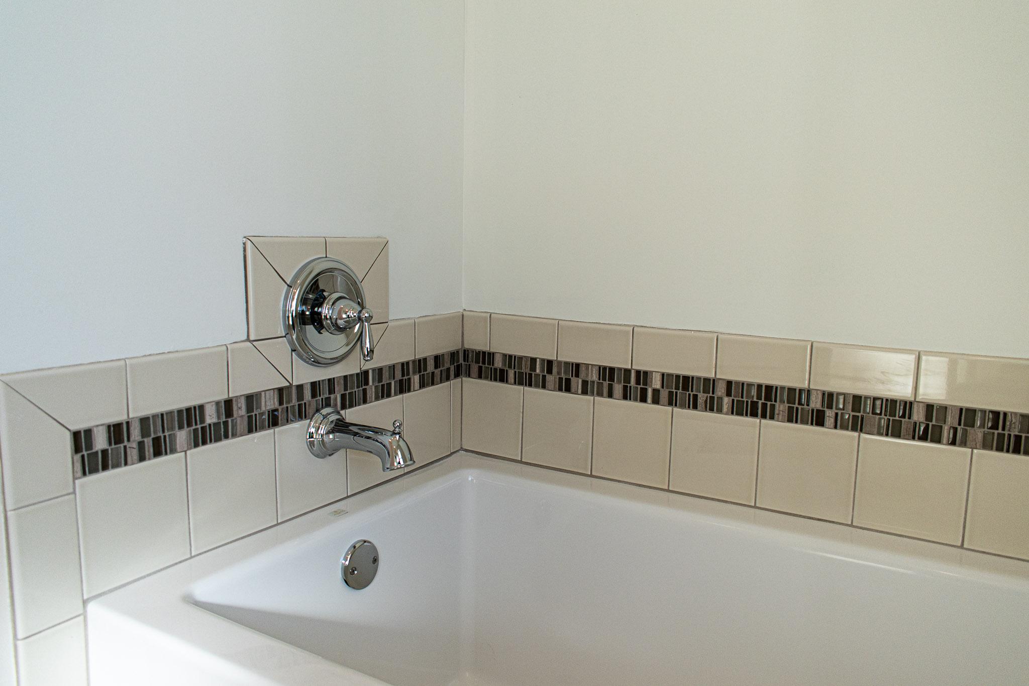 modular home bath tub